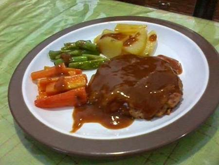 Steak-Tempe-Saus-Spesial